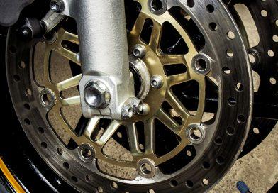 Quando cambiare i dischi dei freni della moto?