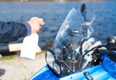 Come pulire il cupolino della moto senza rovinarlo