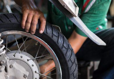 Sigle e marcature: ecco come leggere uno pneumatico moto